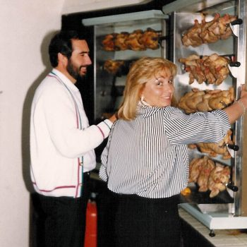 maite y arturo haciendo pollos_v2